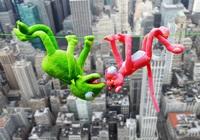 La panthère rose et Kermit