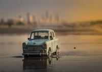 fond d'écran voiture miniature