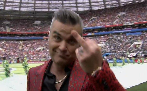Doigt d'honneur Robbie Williams  Photos