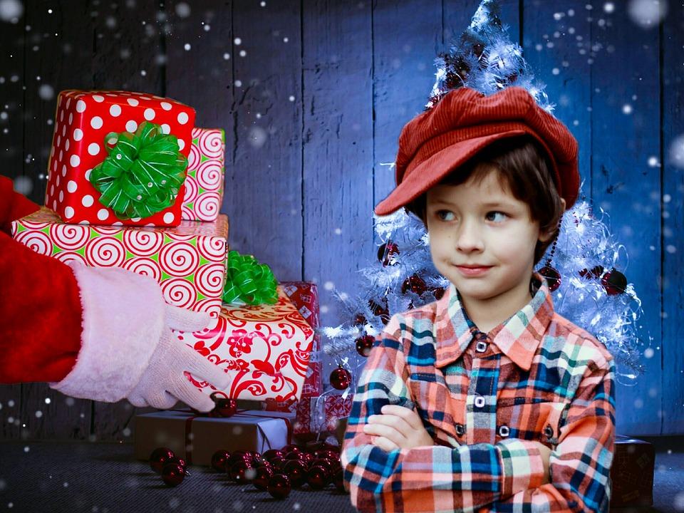Cadeau enfant Noël Photos