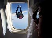Christophe Barbier en chute libre Photos