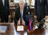 Christophe Barbier sur le bureau de Trump Photos